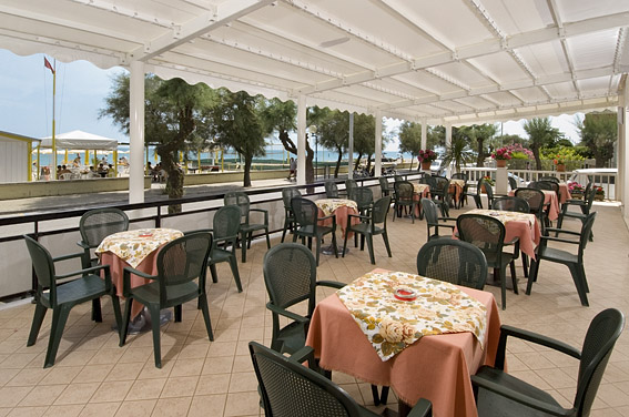 Hotel Rex sul mare a Senigallia