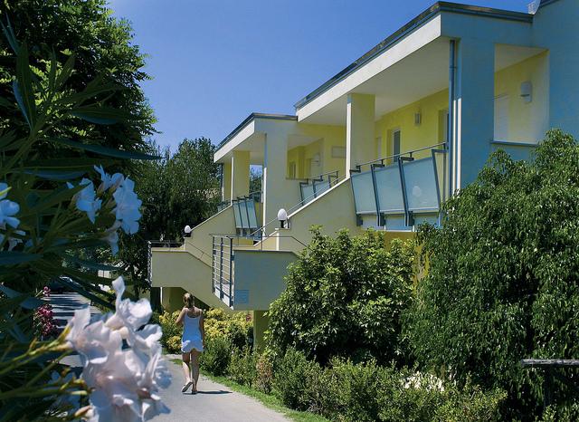 Hotel Villaggio Stromboli - Vista esterna delle camere