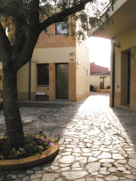 Sardegna - Hotel Villa Canu - Interno cortile