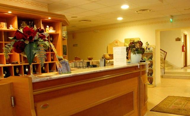 Fasano -Hotel Miramonti- Reception