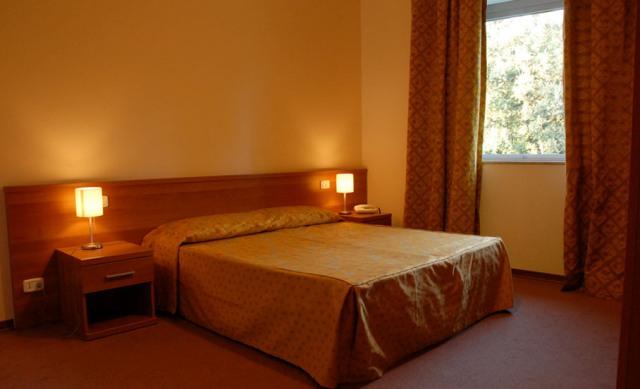Fasano -Hotel Miramonti- Camera da Letto