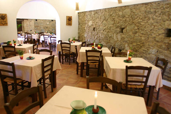 Zambrone - Agriturismo A Pittara - sala ristorante