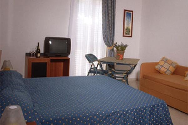 Linosa - Residence La Posta - Camera