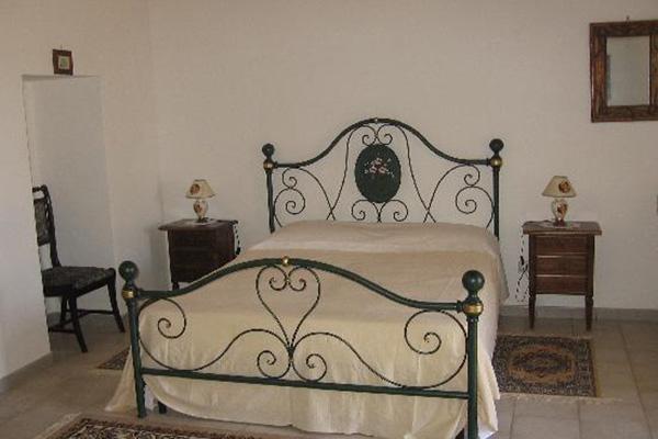 Monopoli -Masseria Calderale - camera da letto