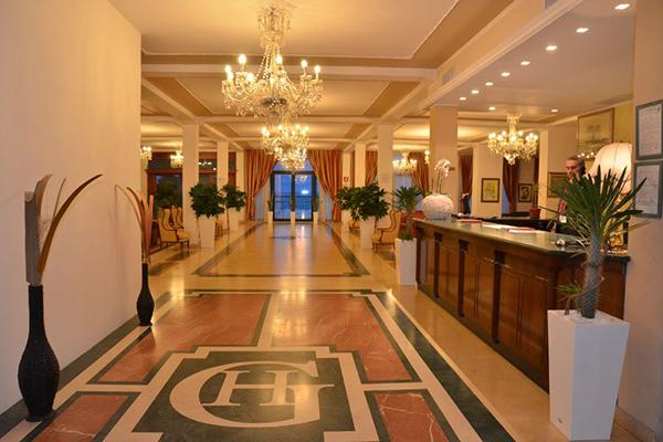 Reception Grand Hotel Montesilvano