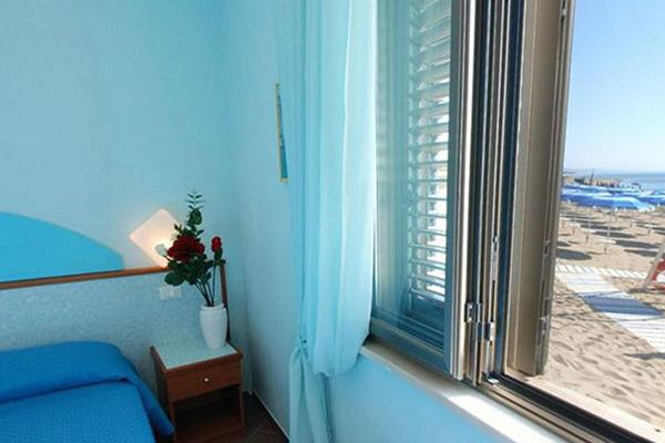 Staletti - Hotel Il Gabbiano -Camera vista mare