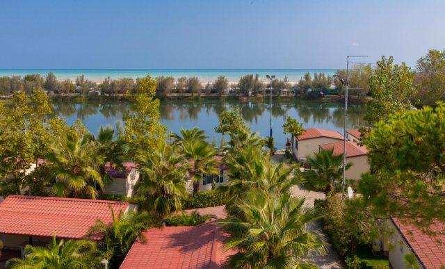 Vista lago del Villaggio Lake Placid in Abruzzo
