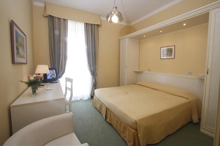 Sanremo - Hotel Paradiso - Camera