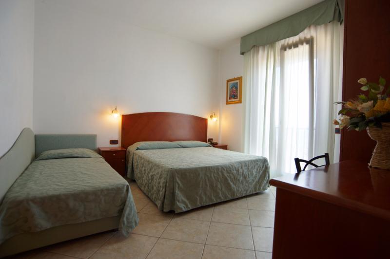 Rodi Gargano - Hotel Rivablu - Camera tripla