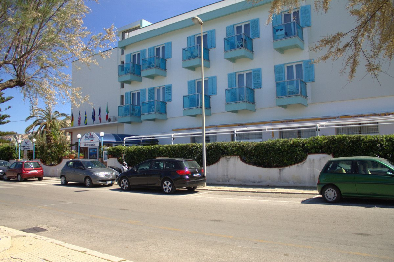 Cefalù - Hotel Tourist - Ingresso