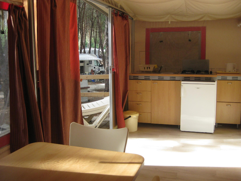 Oristano - Camping Village Spinnaker -Interno casa mobile