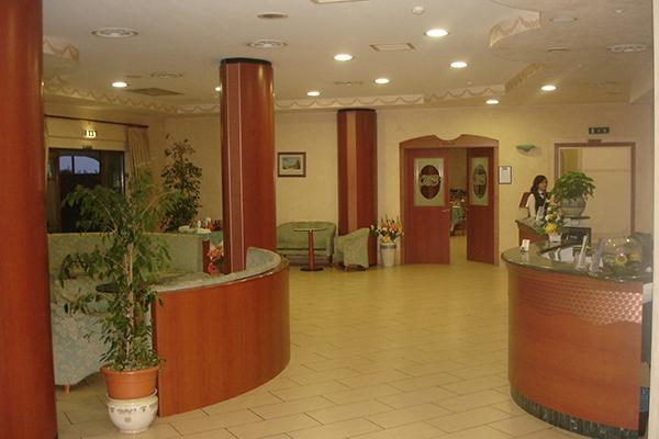 Scalea - Hotel Felix -Reception e Bar