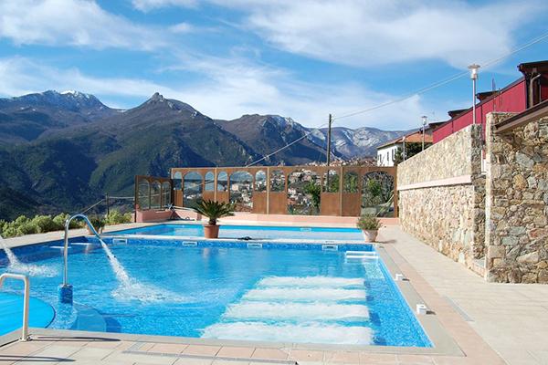Pietra Ligure - La Corte Natural Resort - Piscina