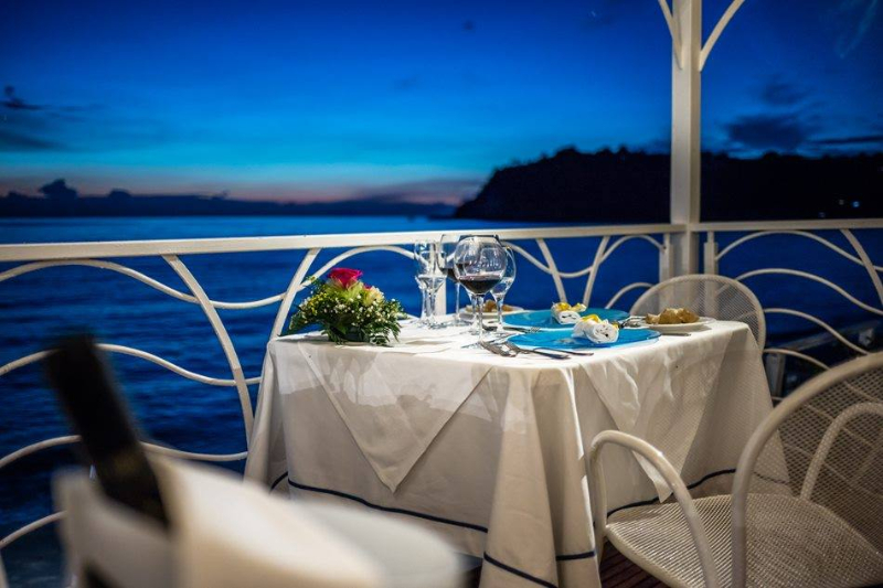 Ricadi - Hotel Ipomea Club - Cena in riva al mare
