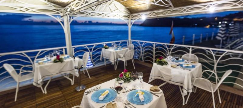 Ricadi - Hotel Ipomea Club -Cena in riva al mare