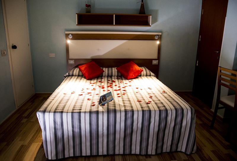 Camera Hotel Miramare Inn nelle Marche