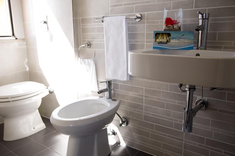 bagno Hotel Miramare Inn nelle marche
