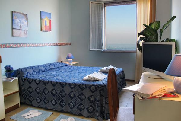 Interno Camera con vista mare Hotel Prestige