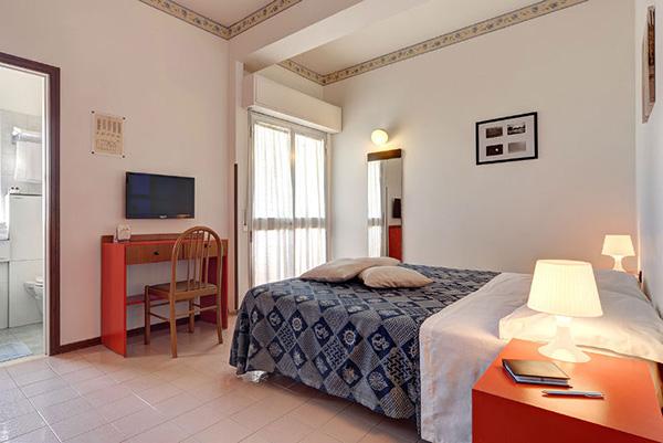 Interno Camera Hotel Prestige di Fano