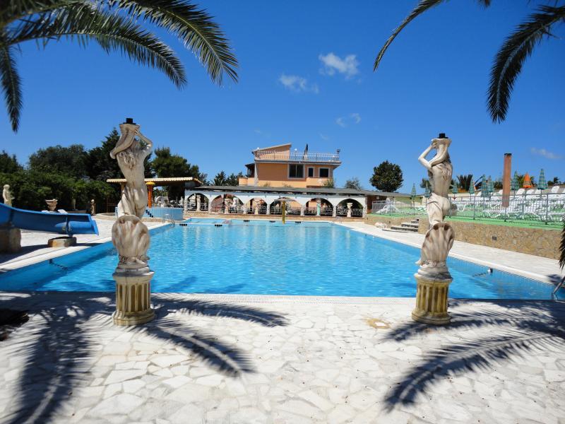 Hotel Residence Parco del Sole del Gargano- Piscina