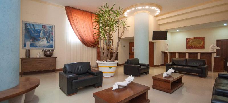 San Menaio -Hotel Residence Marechiaro - Salone reception