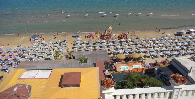 San Menaio -Hotel Residence Marechiaro - Spiaggia privata