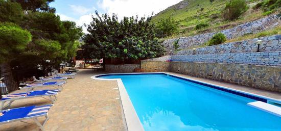piscina villa sauci