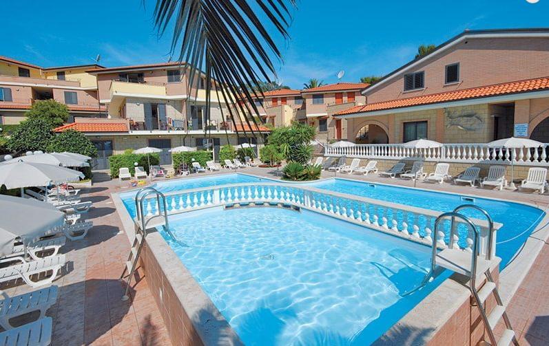 Residence il Borgo - Tortoreto - vista piscina