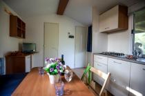 Cucina casa mobile Villaggio Lake Placid di Silvi Marina