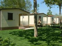 Spazi esterni case mobili Villaggio Lake Placid di Silvi Marina