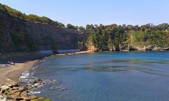 Spiaggia del Pozzo Vecchio a Procida