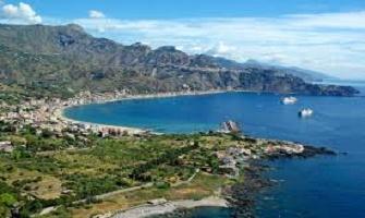 Giardini Naxos una località di mare da non perdere