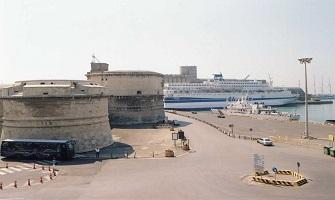 Civitavecchia il porto verso il Mediterraneo