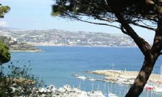 Bordighera le spiagge ai confini dell'Italia