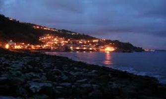 Acireale la costa ionica della Sicilia