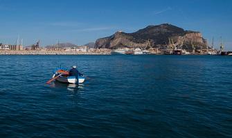 Casteldaccia il mare della provincia di Palermo