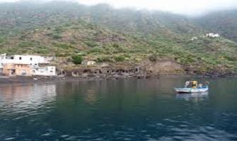 Leni un tuffo tra le Isole Eolie